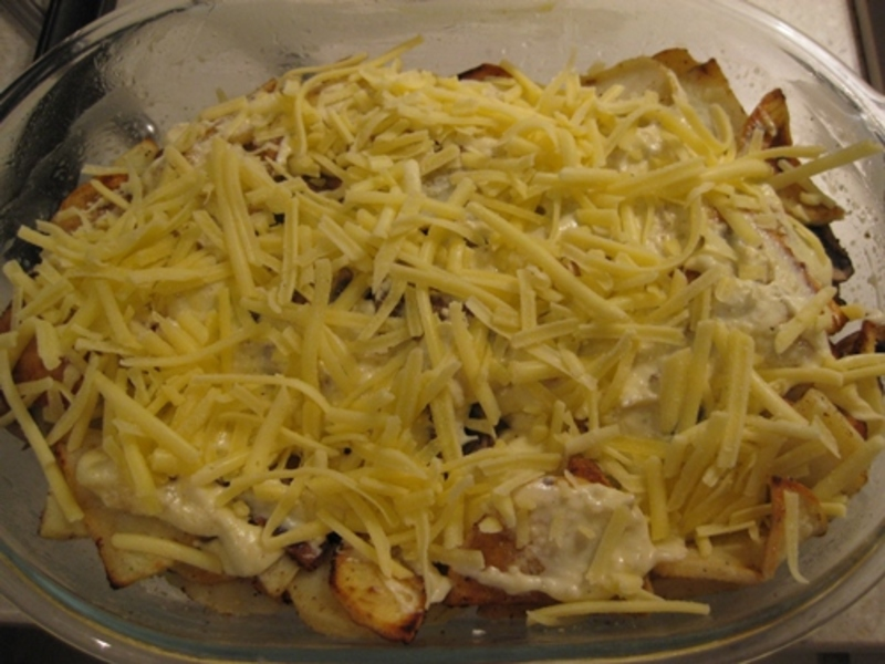 adding,boiled,egg,on,top,of,fried,fish  - Baked Fish With Mushrooms In Sour Cream Sauce