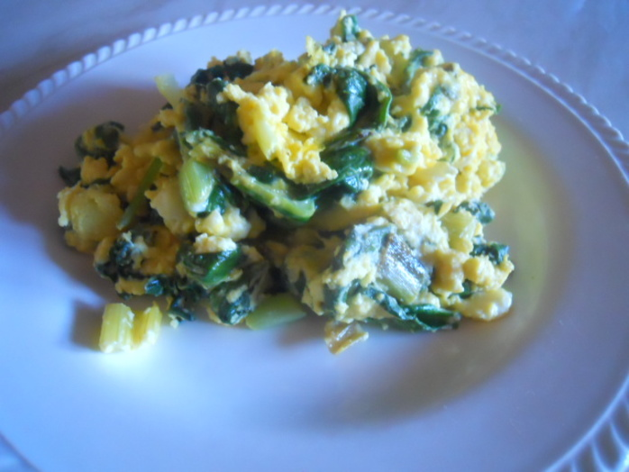green eggs & cheese, scrambled eggs, spinach, feta, spring onions