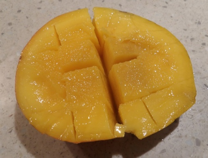 how,to,get,the,flesh,off,a,mango