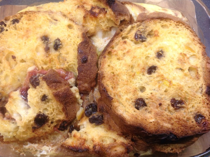 Bread and butter pudding, custard