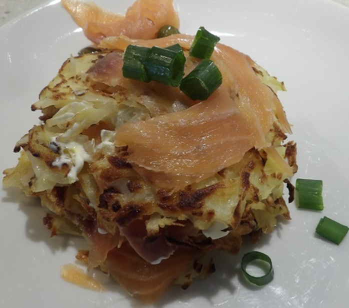 latke cakes with smoked salmon