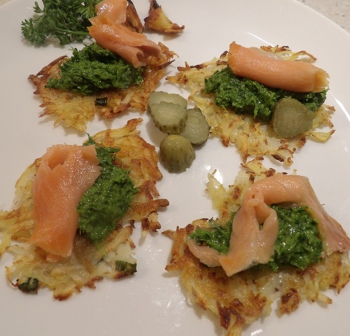 latkes,rosti,with,salsa,verde,and,smoked,salmon