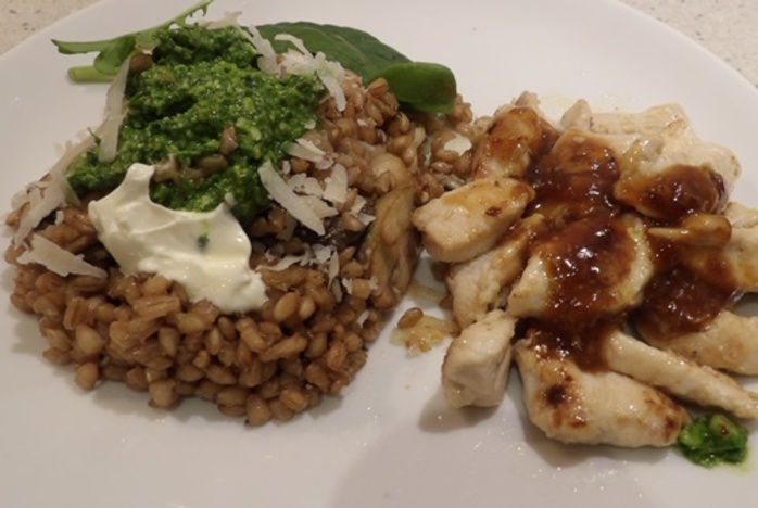 lemon,chicken,with,barley,mushroom,and,spinach,pesto