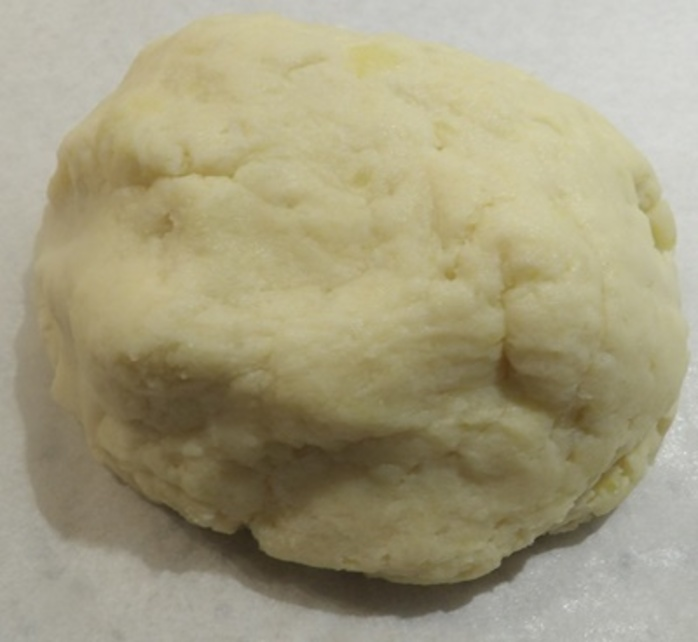 making,potato,dough