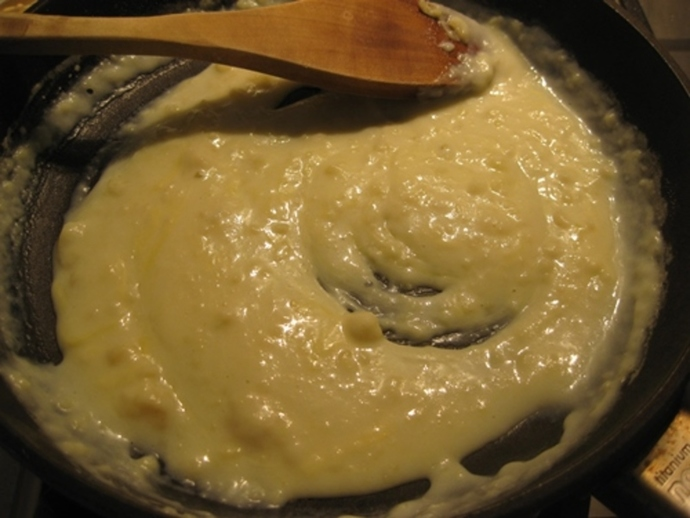 making,white,sauce