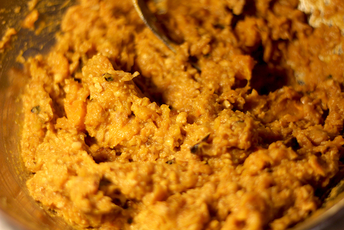 Frying pumpkin patties