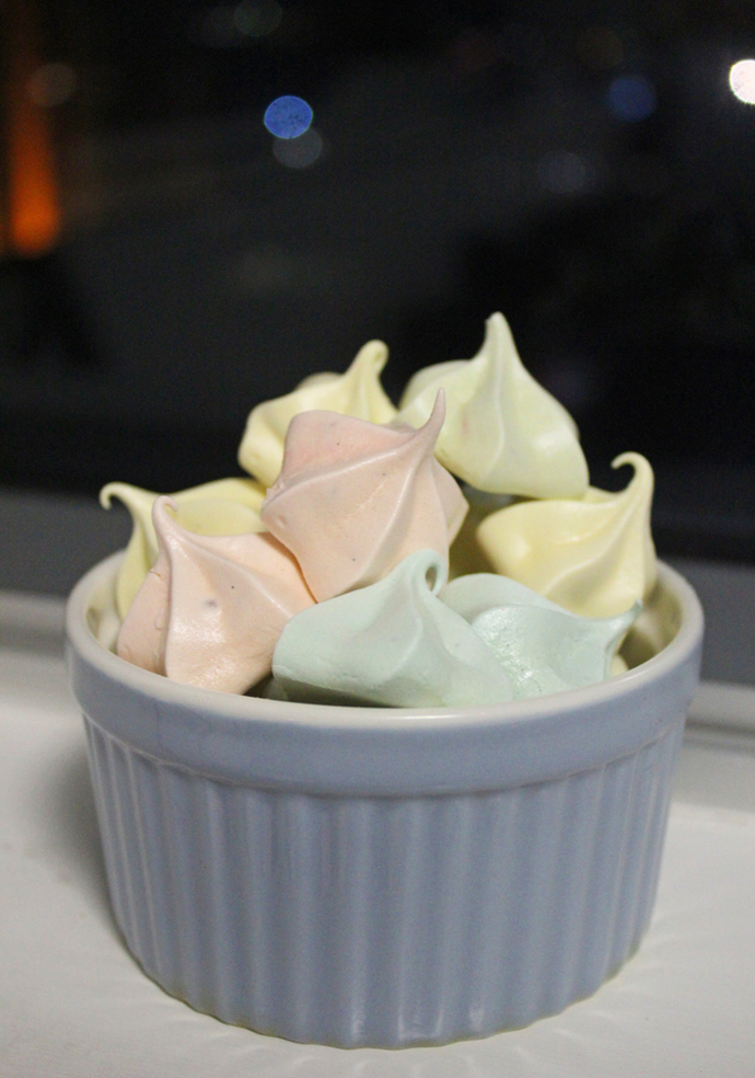 meringue, mini meringue, meringue kisses, meringue recipe, confectionary, sweets