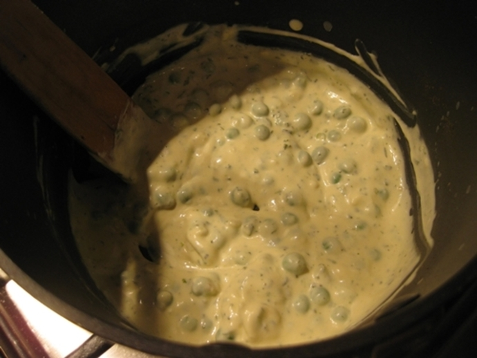 peas,cheese,sauce