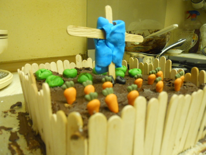 mr mcgregor, peteter rabbit, beatrix potter, chocolate cake, carrot cake, novelty cake