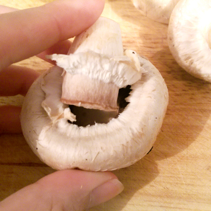 Mushrooms whole