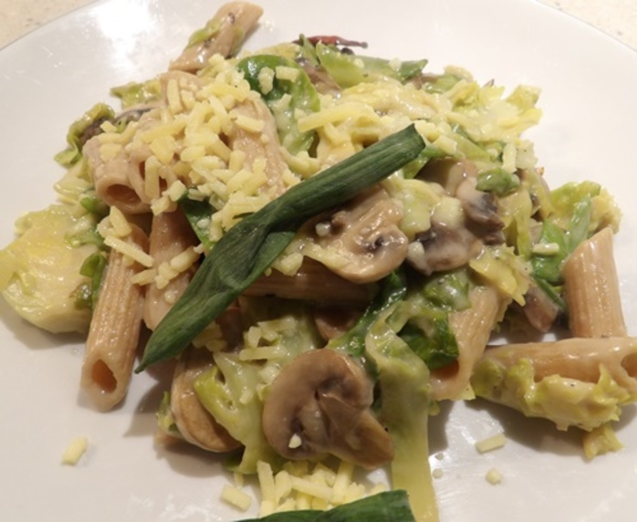 Mushrooms,with,chilli,brussel,sprouts,and,pasta