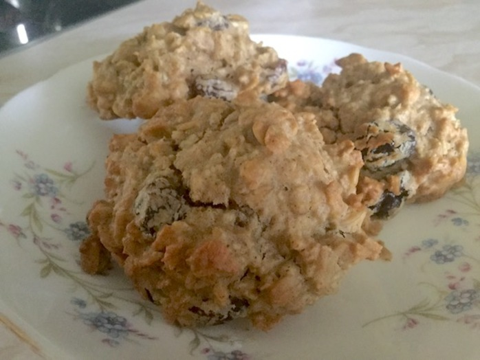 oat, raisin, cookies