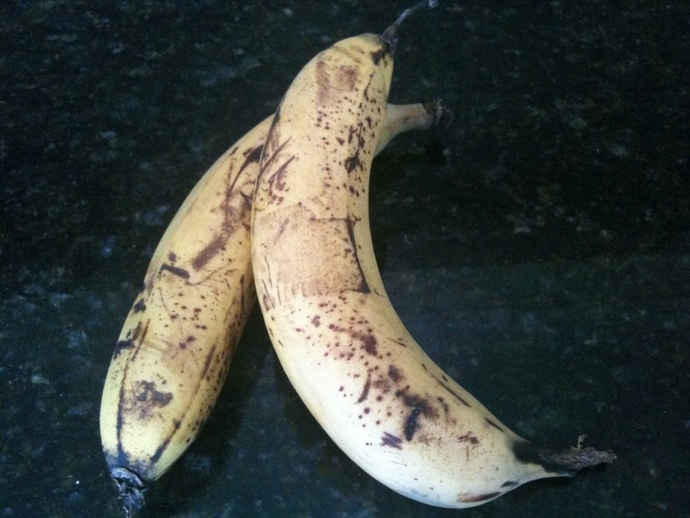 old bananas, brown bananas, over ripe bananas, what to do with old bananas