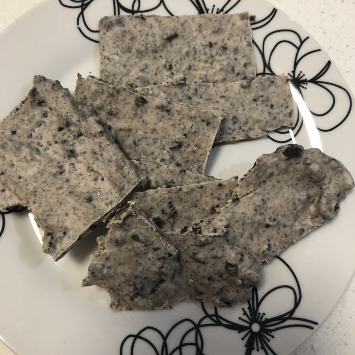Oreo bark ready to eat