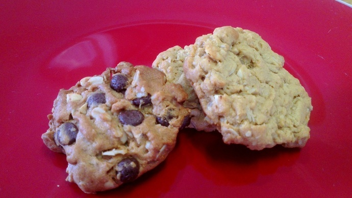 peanut butter oatmeal cookies; easy oatmeal cookies; easy peanut butter cookies; flourless cookies
