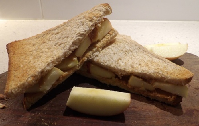 peanutbutter,and,apple,toastie