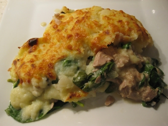 cooked,spinach,tuna,mushroom,mornay