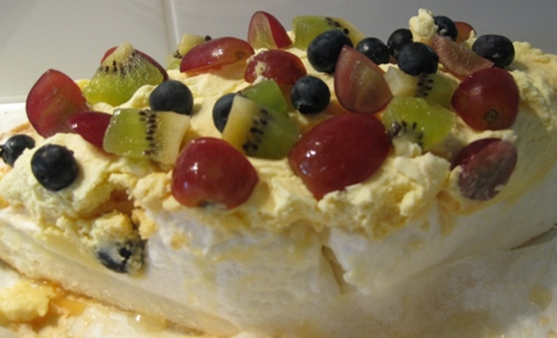 cooked,pavlova,shell