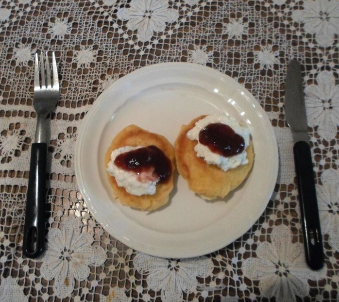 Pikelets With Cottage Cheese And Jam
