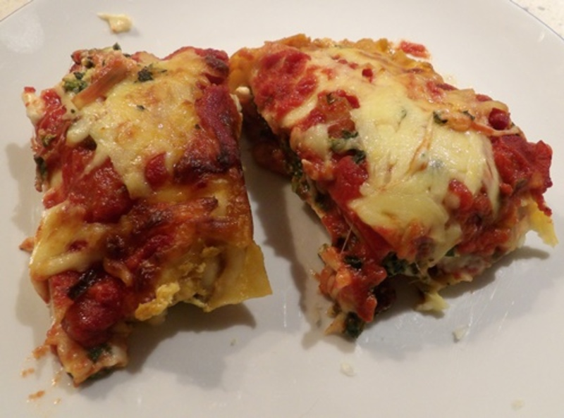cooked,lasagne,with,chorizo,three,cheese,and,tomato,sauce