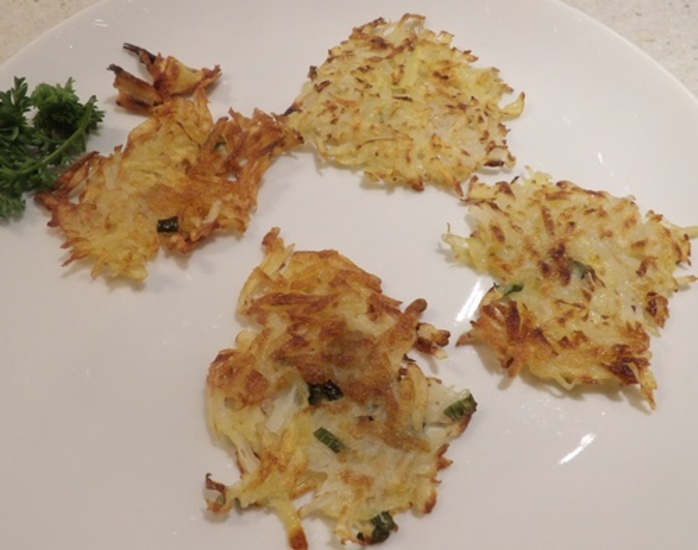 plated,latkes,rosti,ready,for,topping