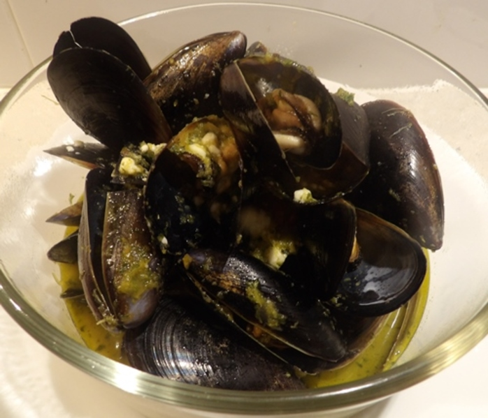 plated,mussels,with,feta,and,delicious,gravy