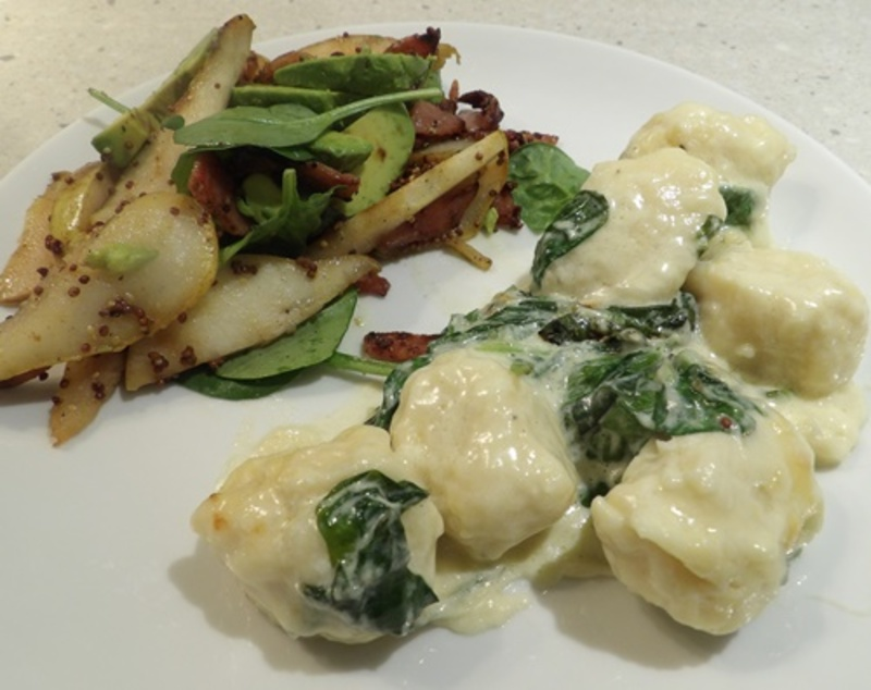 baked,potato,dumplings,with,creamy,spinach,sauce