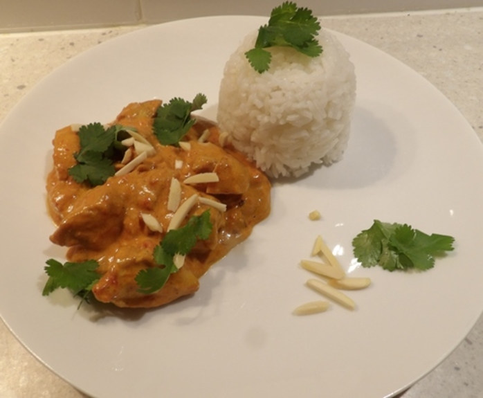 plated,spicey,chicken,with,almonds