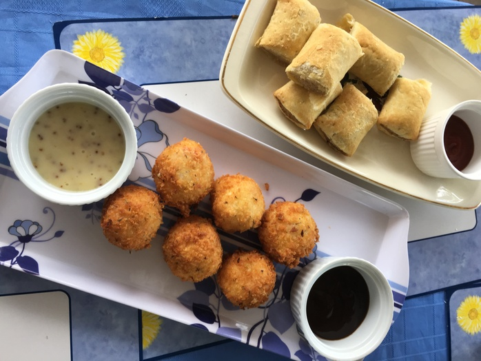 Potato bites cooked serve with dipping sauce