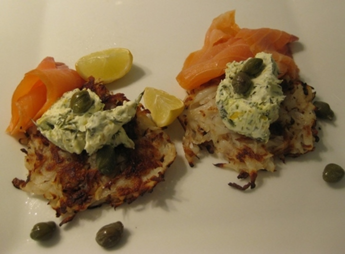 potato,rosti,with,lemon,cream,and,smoked,salmon