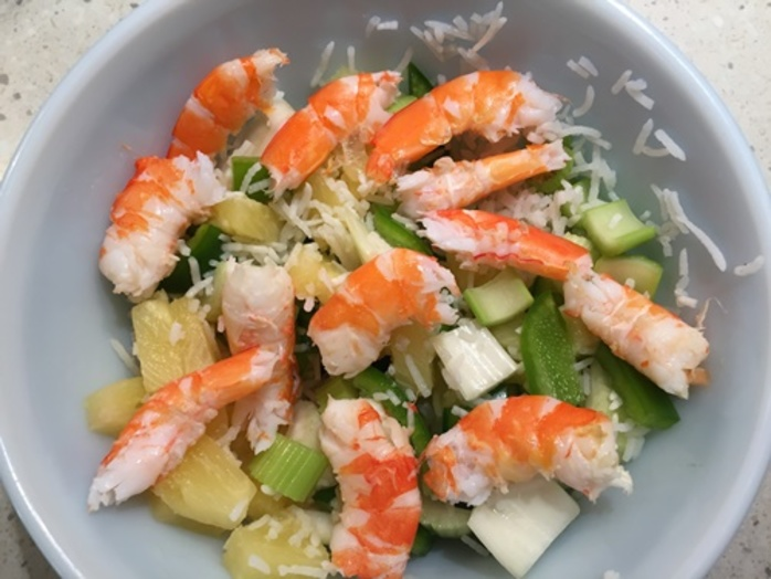 prawn,salad,with,pineapple