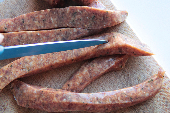 Preparing sausage meat, warming wholesome sausage sauce