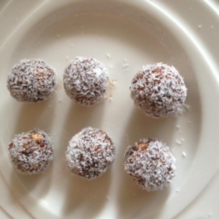 Protein balls with goji berries