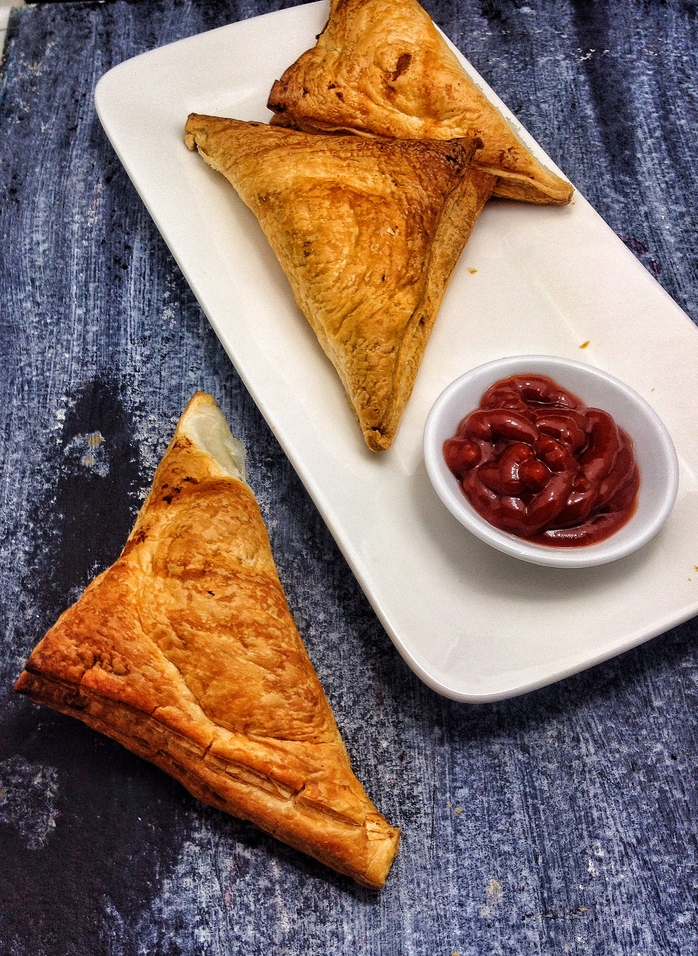 how to make samosas with puff pastry