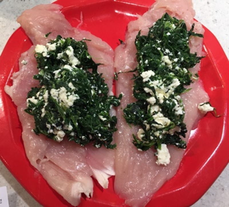 mixing,spinach,garlic,and,feta