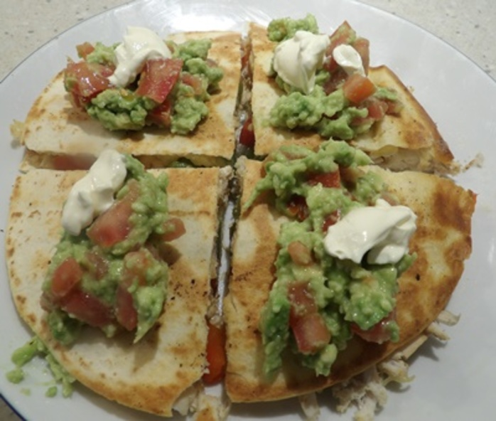 quesadilla,with,guacamole,and,chicken