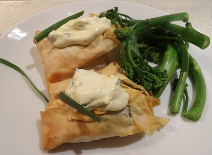 red,salmon,in,filo,pastry,with,spices,and,spinach