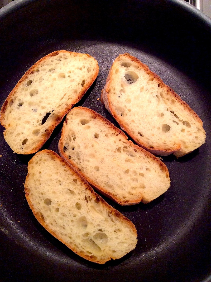 Roasted Fennel Crostini With Cranberries