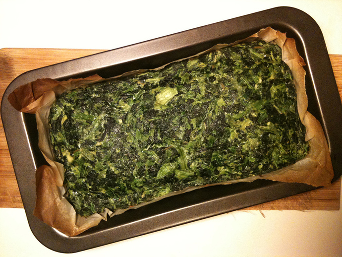 Spinach loaf, rosemary and salt