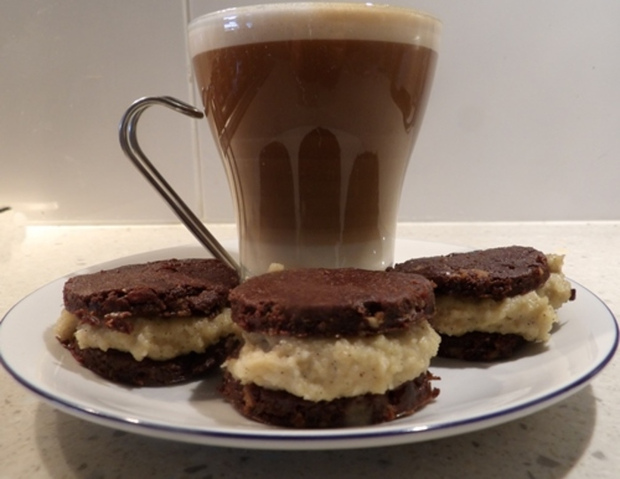 served,vegan,raw,oreo,type,biscuits,with,coffee