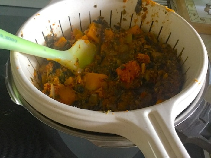 Spinach, butternut squash, tomatoes, onion, colander, drain, dinner, vegetarian,