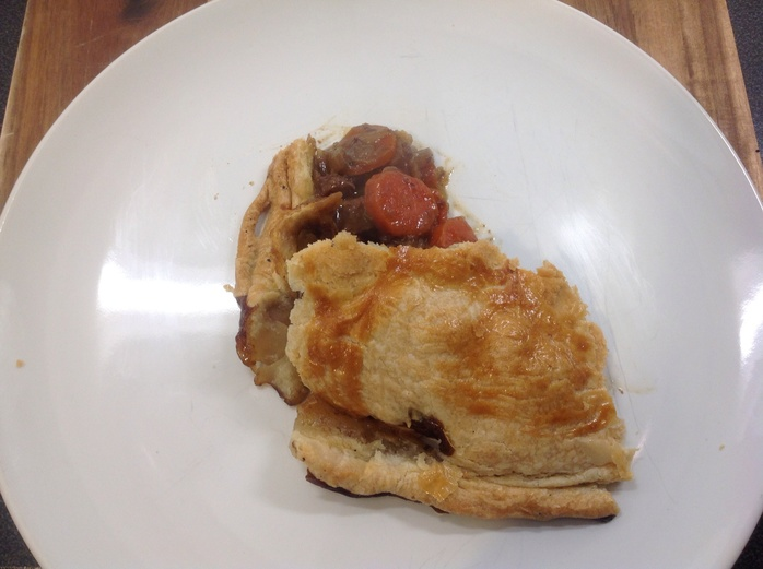 Pie dish, pie rim, steak pie