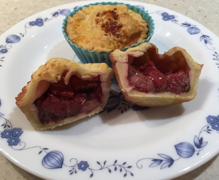 strawberry,nutella,pies