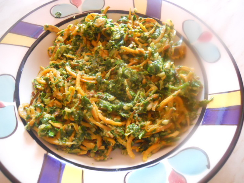 sweet potato, spaghetti, spiraliser, spiralised, pesto, spinach, pine nuts, pasta