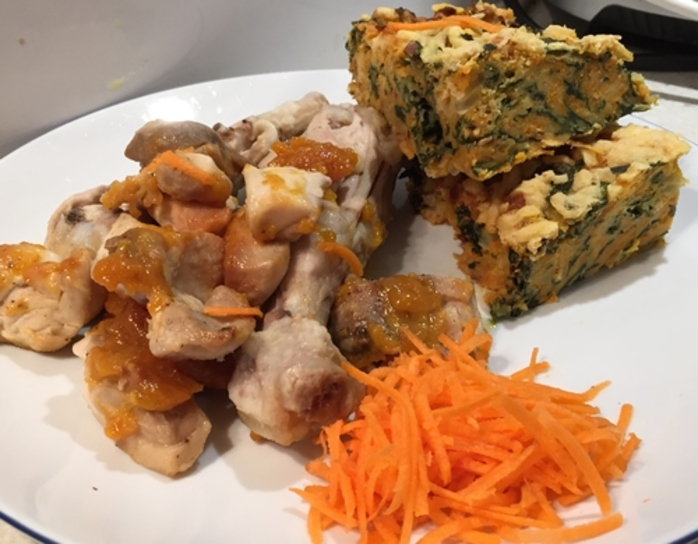 sweet,and,sour,chicken,with,carrot,and,spinach,slice