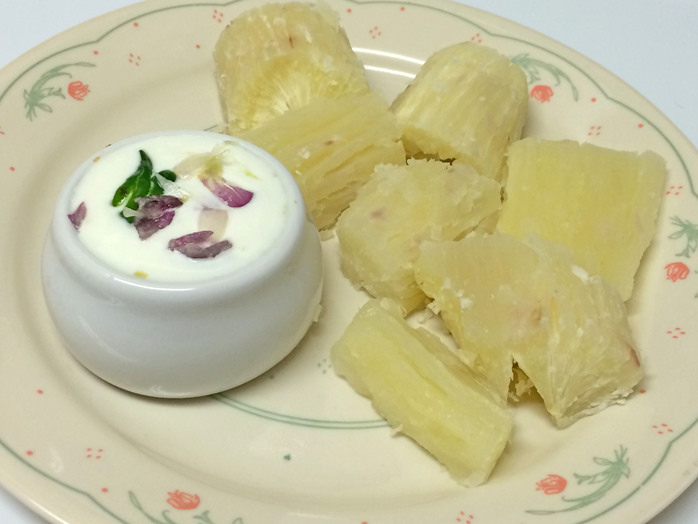 Tapioca root drums with yogurt dip