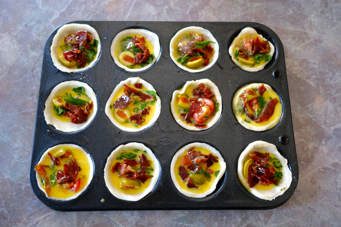 Tartlets in pan