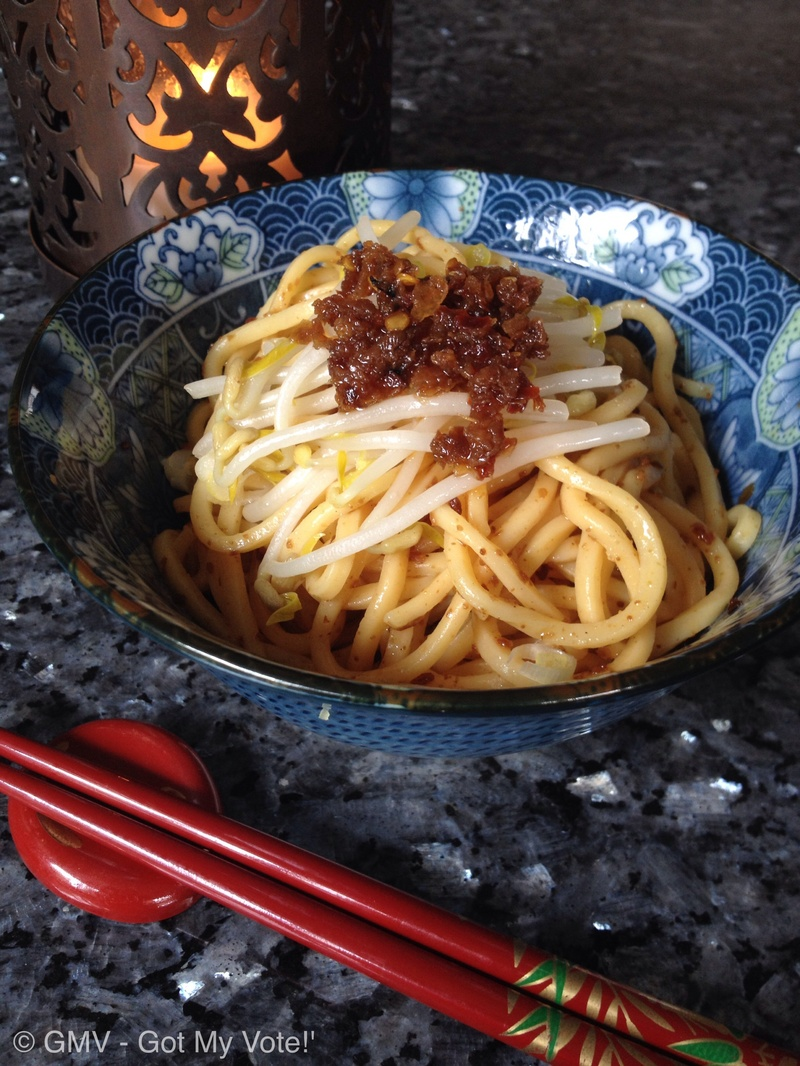 Stir Dry Noodles in Fried Shallot Oil