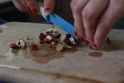 Almonds, chopping