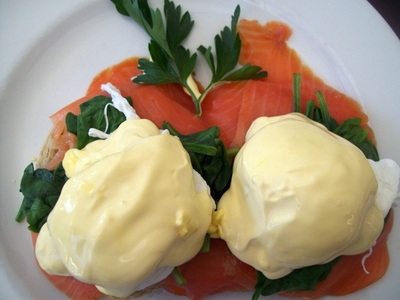 Eggs benedict, eggs, poached eggs, smoked salmon, hollandaise sauce, breakfast